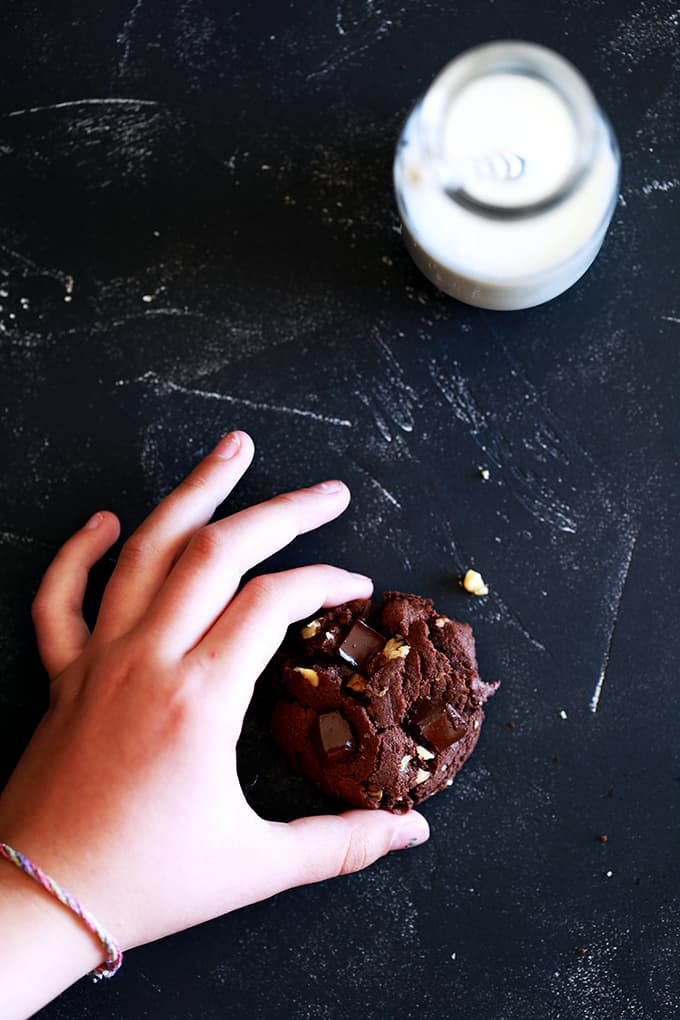 These delicious Double Chocolate Walnut Brownie Cookies contain a substantial amount of cocoa, melty chocolate chunks and chopped walnuts and take just 10 minutes to prepare.