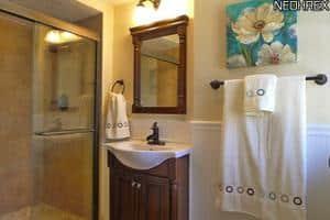 Where We Live Wednesday - Master Bathroom | @melaniebauer at Melanie Makes