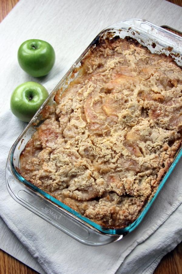 Pear Ginger Apple Crisp | @melaniebauer at Melanie Makes