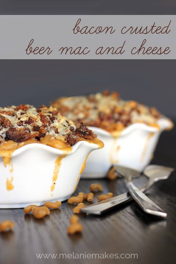Bacon Crusted Beer Mac and Cheese | Melanie Makes melaniemakes.com