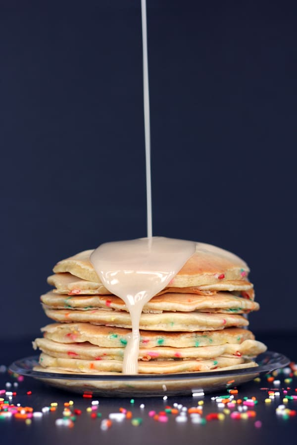 Birthday Cake Pancakes | Melanie Makes melaniemakes.com
