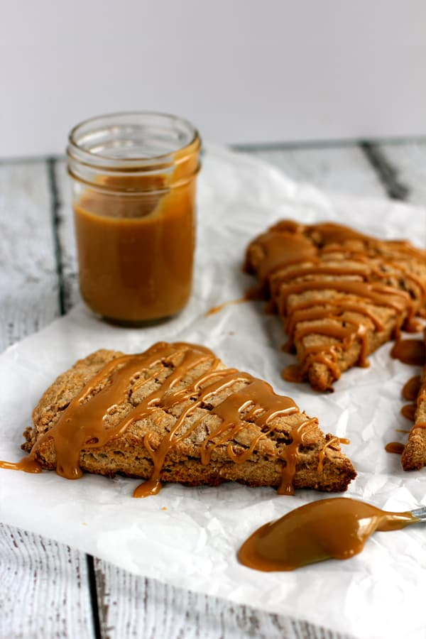 Cinnamon Maple Dulce de Leche Scones | Melanie Makes melaniemakes.com