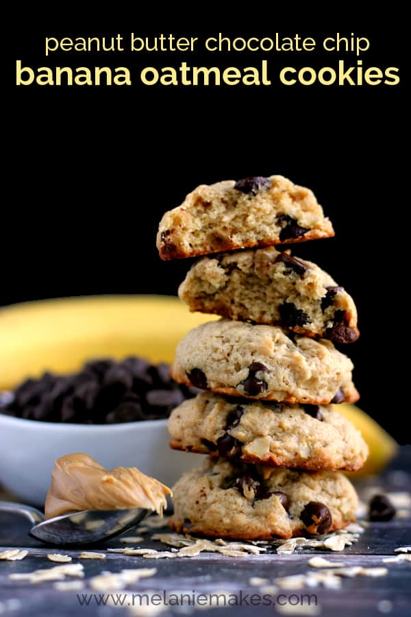 Peanut Butter Chocolate Chip Banana Oatmeal Cookies | Melanie Makes melaniemakes.com