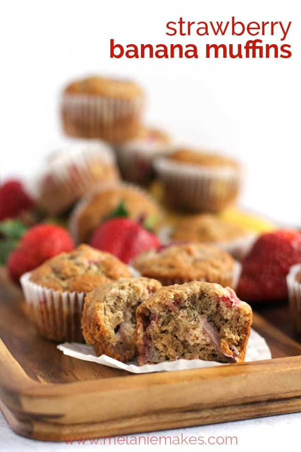 Strawberry Banana Muffins | Melanie Makes melaniemakes.com
