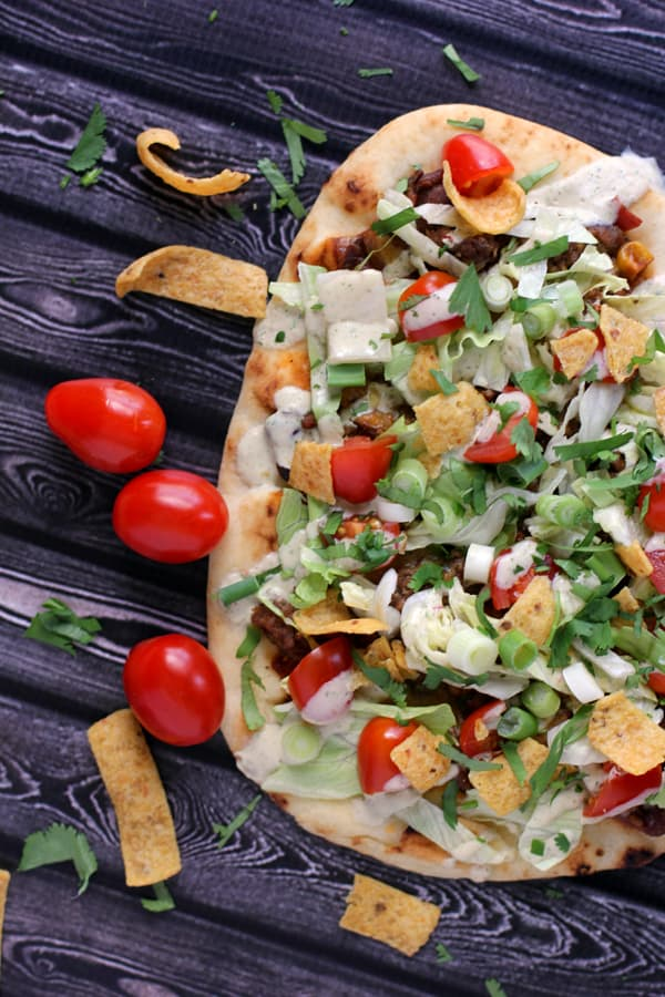 Taco Frito Flatbread Pizza | Melanie Makes melaniemakes.com