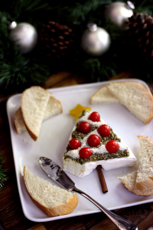 Pesto and Cream Cheese Christmas Tree Appetizer | Melanie Makes