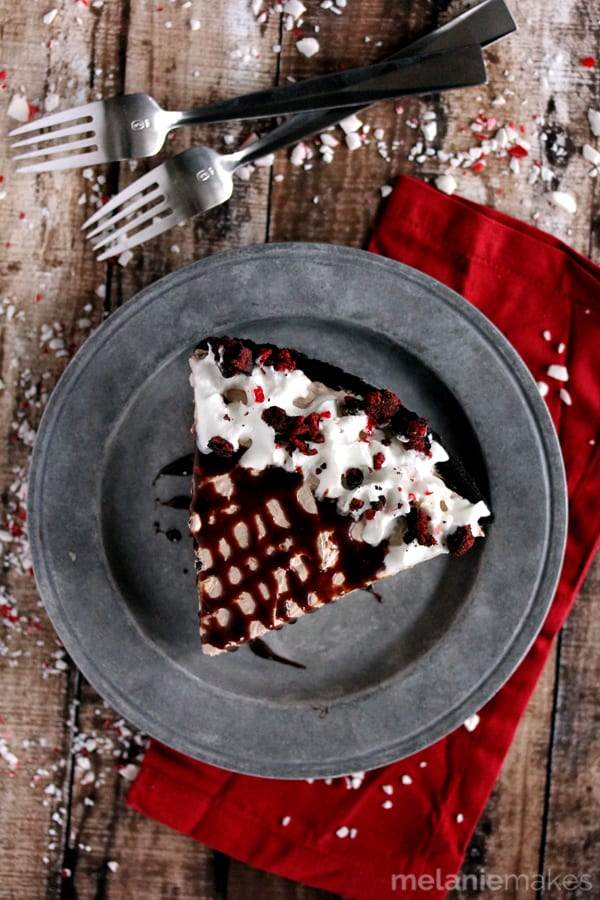 With just four ingredients and 15 minutes, this No Bake Oreo Dark Chocolate Peppermint Cheesecake will be ready and waiting for you in the fridge come time for dessert. An amazingly easy, seasonal showstopper.