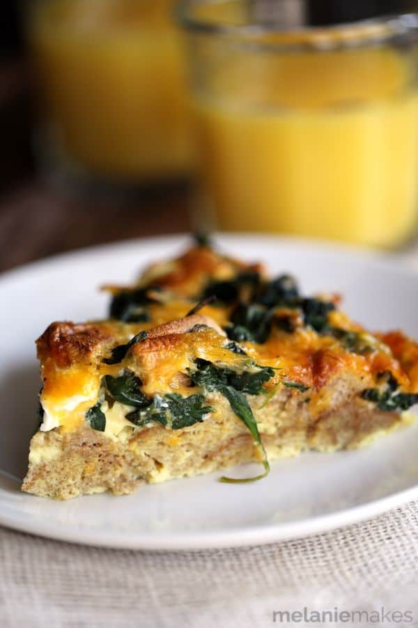 A few bagels, spinach and sharp cheddar cheese are the stars of this five ingredient Spinach and Cheese Bagel Strata. Baked until golden brown, this make ahead breakfast casserole puts your typical weekday breakfast to shame!