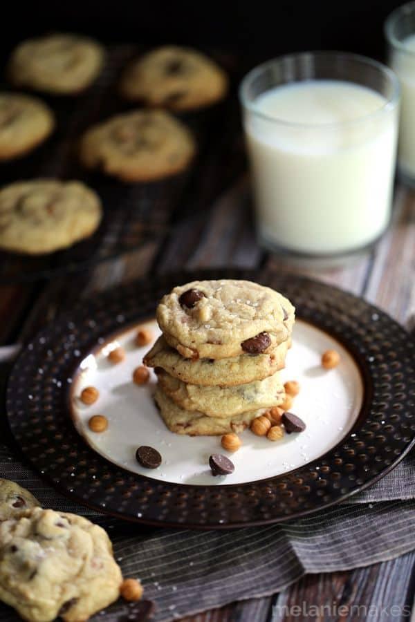 Salted Caramel Dark Chocolate Chip Cookies | Melanie Makes