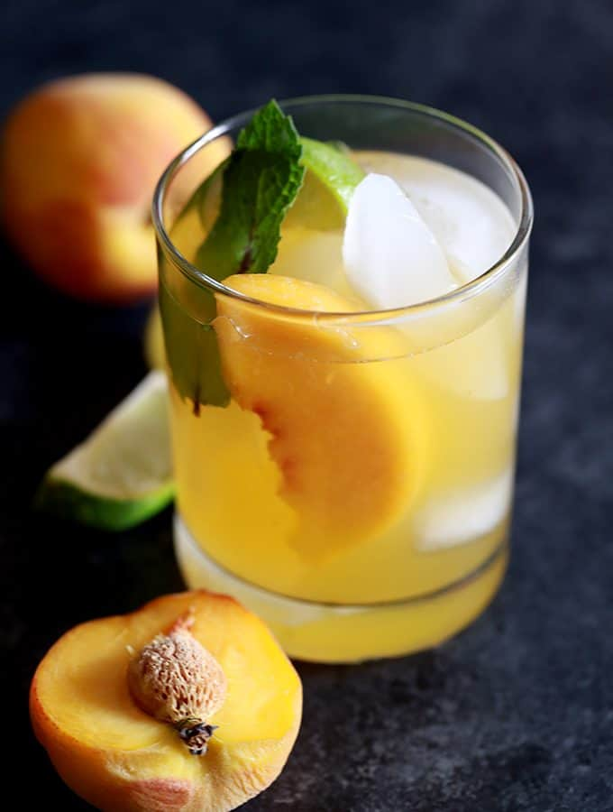 Peach Prosecco Mojitos | Melanie Makes